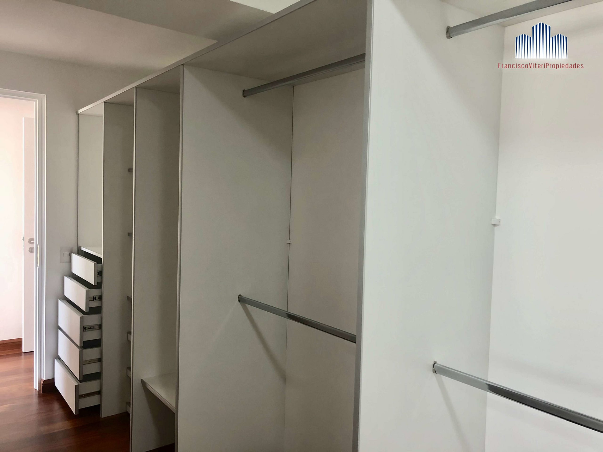 ARQUITECTO MARIO LARA- ESPECTACULAR PENTHOUSE DE ESTRENO CON TERRAZA PISCINA Y JARDIN